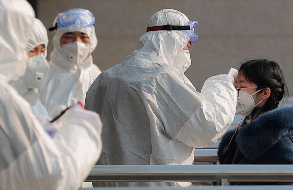 Çinli Doktorlar Maske
